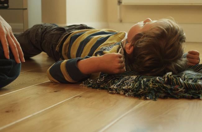 برای جلوگیری از تشنج در کودکان چه کار کنیم؟