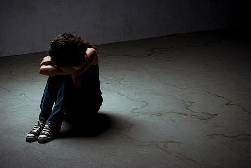 علائم افسردگی از مشت کردن دست و تکان دادن پا تا فوران خشم متغیر است