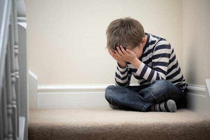 کودکان هم افسرده میشوند و مدارکی دال بر علائم افسردگی بالینی کودکان سه ساله موجود است.