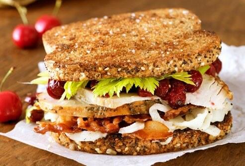 حتی تو سرماخوردگی هم میشه غذاهای جدید تست کرد، مثلا همین ساندویچ بوقلمون