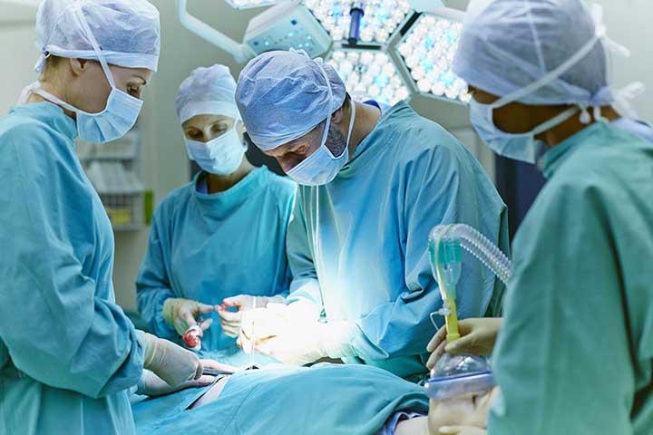 جراحی گوش و حلق و بینی