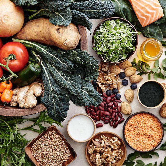 ویتامین C به جذب این مواد غذایی غنی از آهن کمک میکند.