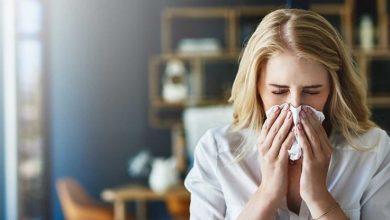 با یادگیری علائم آلرژی و علائم سرماخوردگی، میتوانید روش تسکین علائم را بیابید. سرماخوردگی با ویروس ایجاد میشود و آلرژی با آن اشتباه گرفته میشود.