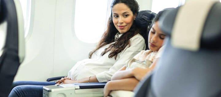 اگر دارای حاملگی سالم هستید، قبل از پرواز با متخصص خود مشورت کنید.