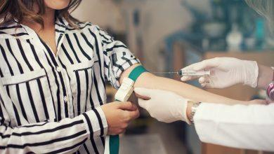 پانل متابولیک پایه و آزمایش پانل متابولیک جامع هر دو آزمایش خون هستند که سطح مواد خون را بررسی میکنند. پزشک ممکن است این تستها را هنگام چکاپ فیزیکی تجویز کند.