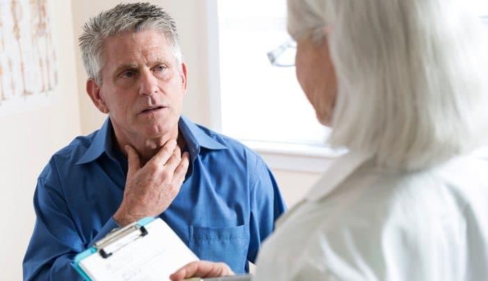 با این وجود، خسخس سینه از نشانههای سرطان ریه نیز میباشد که البته پزشک باید آن را تایید کند.