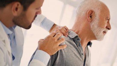 سرطان ریه ممکن است در مراحل اولیه هیچگونه نشانه قابل توجهی نداشته باشد و این بیماری تا زمان پیشرفت آن در بسیاری از افراد تشخیص داده نمیشود.