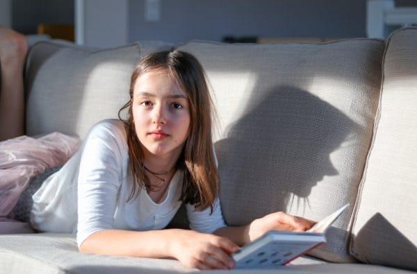 مغز دختر شما در 12 سالگی از نظر فیزیکی به منتهای رشد رسیده اما تا بیست سالگی همچنان در حال بالغ شدن است.