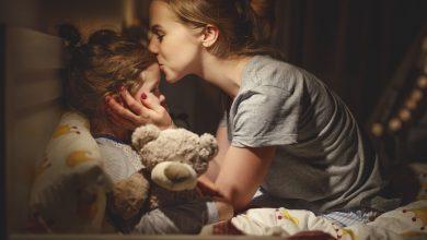 خواب کودک بسیار برای رشد و سلامت مفز و روان او مهم است و بهتر است برنامه خواب نوزاد خود را درست تنظیم کنید تا خواب راحت کودک شما و در نتیجه سلامت وی تامین شود.