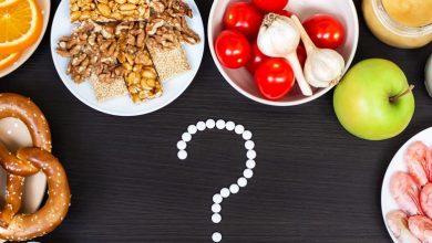 برخلاف تصور بسیاری، حساسیت به غذا و آلرژی به غذا با هم فرق بسیاری دارند. حساسیت غذایی برخلاف آلرژی غذایی به سیستم ایمنی کاری ندارد. حساسیت نسبت به مواد غذایی ناشی از عدم تحمل آن غذا است.