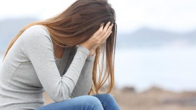 تصویر از تغییرات دخترتان در سن ۱۵ سالگی و رفتار با دختر ۱۵ ساله چگونه است؟