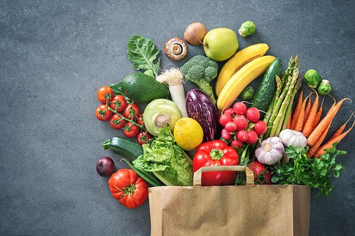سبزیجات و غلات حاوی آهن غیرهم هستند که برای درمان کم خونی و کمبود آهن، باید بیشتر مصرف شوند